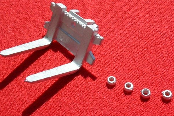 "Dinky Toys 404 CONVEYANCER FORK LIFT ""Fork Blades and 4 Mast rings"" UNPAINTED [ Set ]"